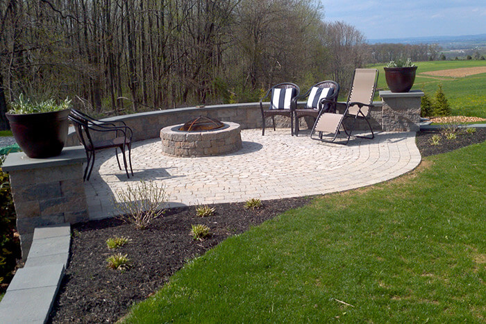 King Outdoor Patio